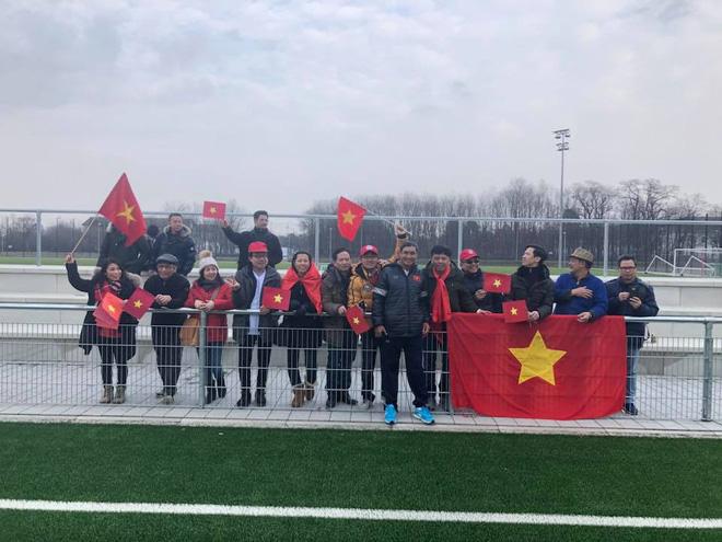 Sang Đức tập huấn, Việt Nam hòa 1-1 trước Bayern Munich - Ảnh 1.