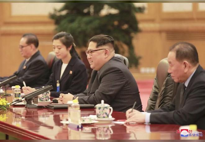 KCNA công bố loạt ảnh mãn nhãn về chuyến thăm Trung Quốc của nhà lãnh đạo Kim Jong-un - Ảnh 6.