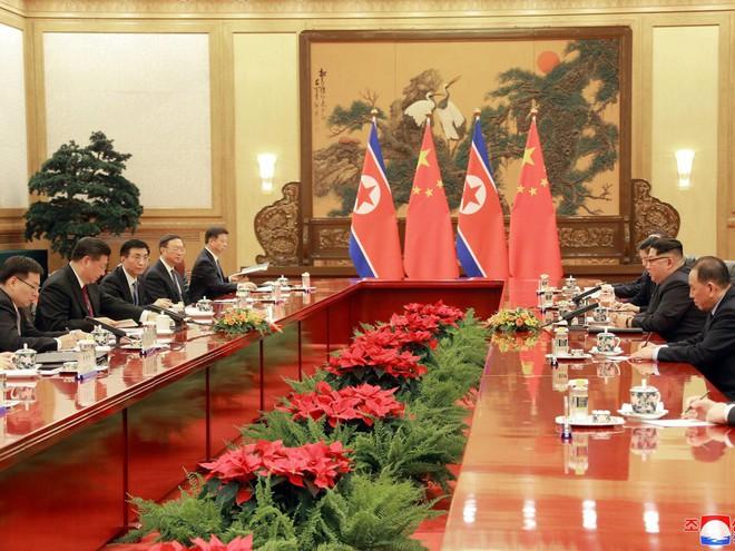 KCNA công bố loạt ảnh mãn nhãn về chuyến thăm Trung Quốc của nhà lãnh đạo Kim Jong-un - Ảnh 7.