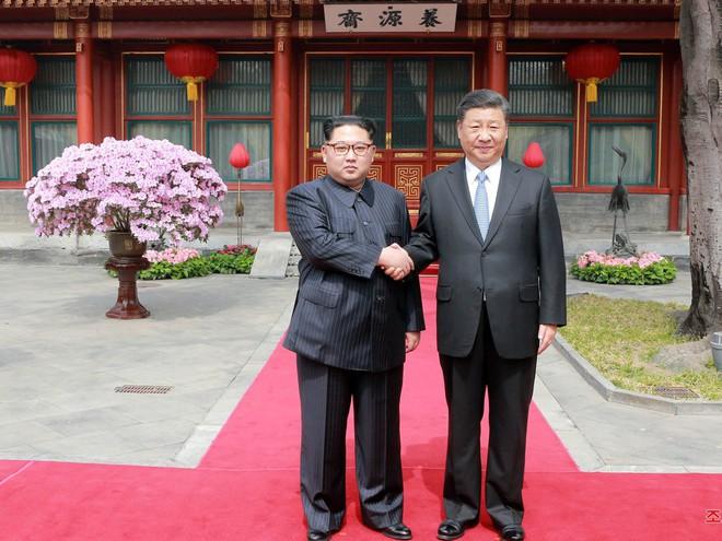 KCNA công bố loạt ảnh mãn nhãn về chuyến thăm Trung Quốc của nhà lãnh đạo Kim Jong-un - Ảnh 8.