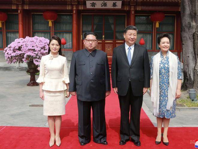 KCNA công bố loạt ảnh mãn nhãn về chuyến thăm Trung Quốc của nhà lãnh đạo Kim Jong-un - Ảnh 9.