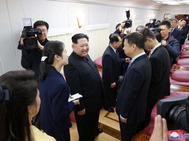 KCNA công bố loạt ảnh mãn nhãn về chuyến thăm Trung Quốc của nhà lãnh đạo Kim Jong-un - Ảnh 20.