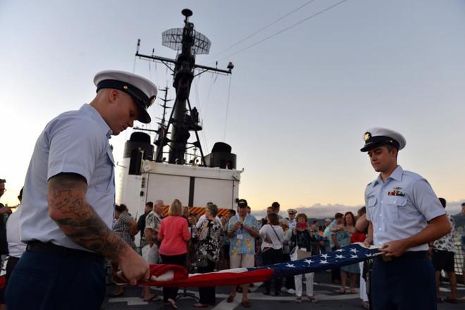 Tàu USCGC Sherman đã chính thức loại biên, đích đến không phải là Việt Nam? - Ảnh 1.