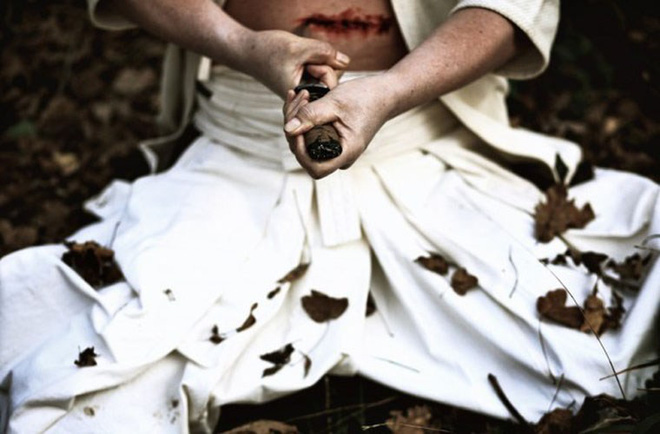 Nhát kiếm ám ảnh chiến binh samurai và bài học rút ra từ nghi lễ mổ bụng tự sát - Ảnh 2.