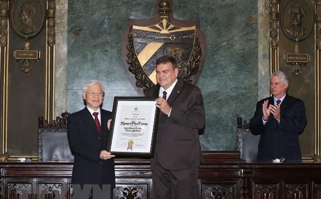 Tổng Bí thư Nguyễn Phú Trọng nhận Bằng Tiến sỹ danh dự tại Cuba