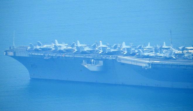 Tàu sân bay USS Carl Vinson mang những máy bay quân sự khủng nào đến Đà Nẵng? - Ảnh 2.