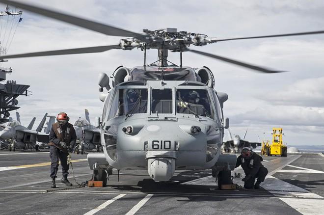 Tàu sân bay USS Carl Vinson mang những máy bay quân sự khủng nào đến Đà Nẵng? - Ảnh 5.