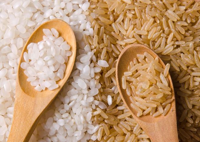 Gạo trắng hay gạo lứt tốt cho sức khỏe hơn: Lâu nay nhiều người ngộ nhận, dẫn tới dùng sai - Ảnh 4.