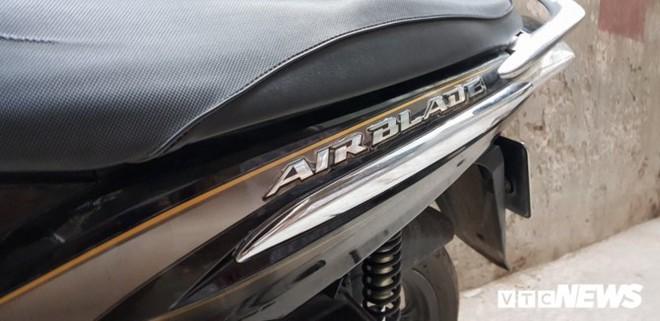 Honda Air Blade đời đầu 9 năm trước, rao bán gần 30 triệu đồng - Ảnh 1.