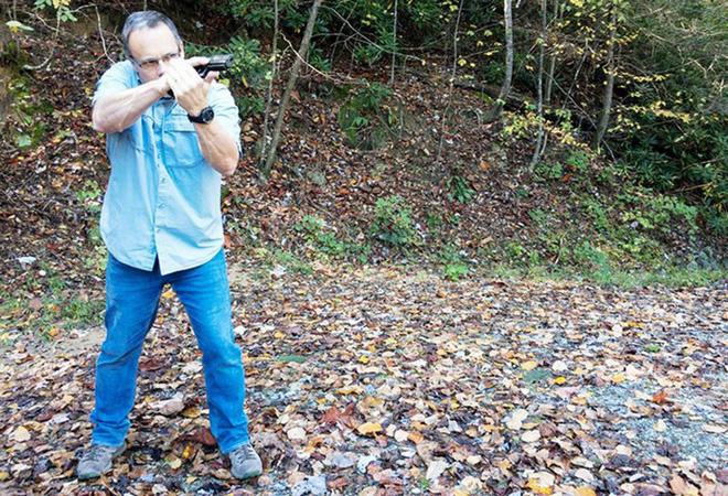 Đánh giá nhanh ưu nhược điểm của 4 tư thế đứng bắn súng ngắn phổ biến - Ảnh 11.