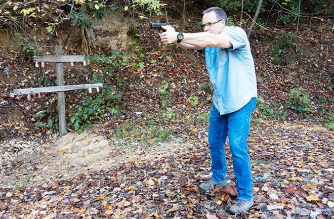 Đánh giá nhanh ưu nhược điểm của 4 tư thế đứng bắn súng ngắn phổ biến - Ảnh 4.