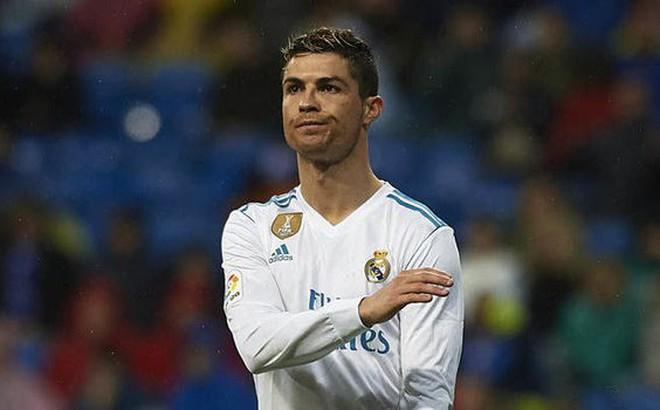 """Lấy lại thế độc tôn, Ronaldo đưa """"danh sách cấm"""" cho Zidane trước đại chiến với PSG"""