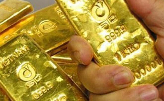 """Chủ nhà máy nói nam công nhân đã """"cuỗm"""" mấy chỉ vàng trong bao lúa trước khi bàn giao"""