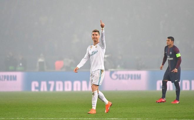 Ronaldo ra đòn trừng phạt, Real Madrid ngạo nghễ bước qua PSG