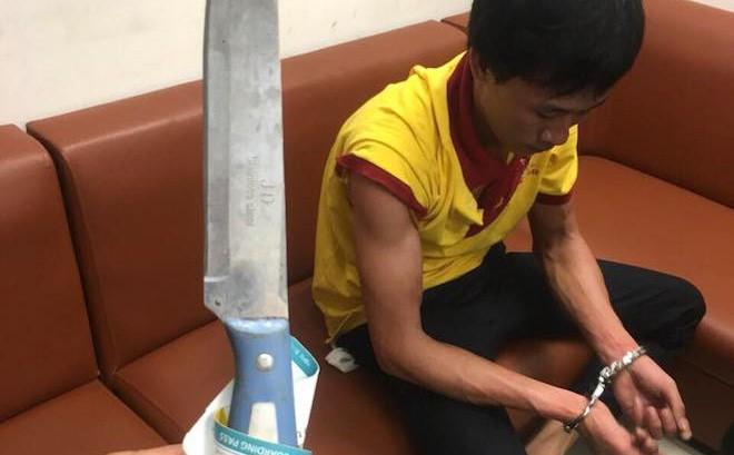 Tài xế taxi cầm dao nhọn tấn công nhân viên an ninh sân bay Vinh