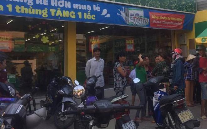 Bàng hoàng chứng kiến người đàn ông tẩm xăng tự thiêu ở Sài Gòn