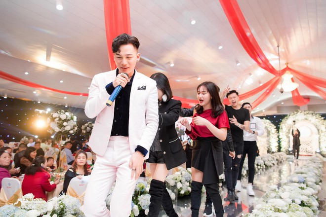 Hot girl The Voice Huyền Dung bất ngờ lên xe hoa, dàn ca sĩ trẻ về Hà Tĩnh quậy tưng bừng - Ảnh 7.