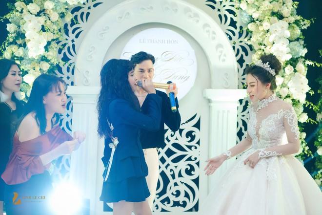 Hot girl The Voice Huyền Dung bất ngờ lên xe hoa, dàn ca sĩ trẻ về Hà Tĩnh quậy tưng bừng - Ảnh 8.