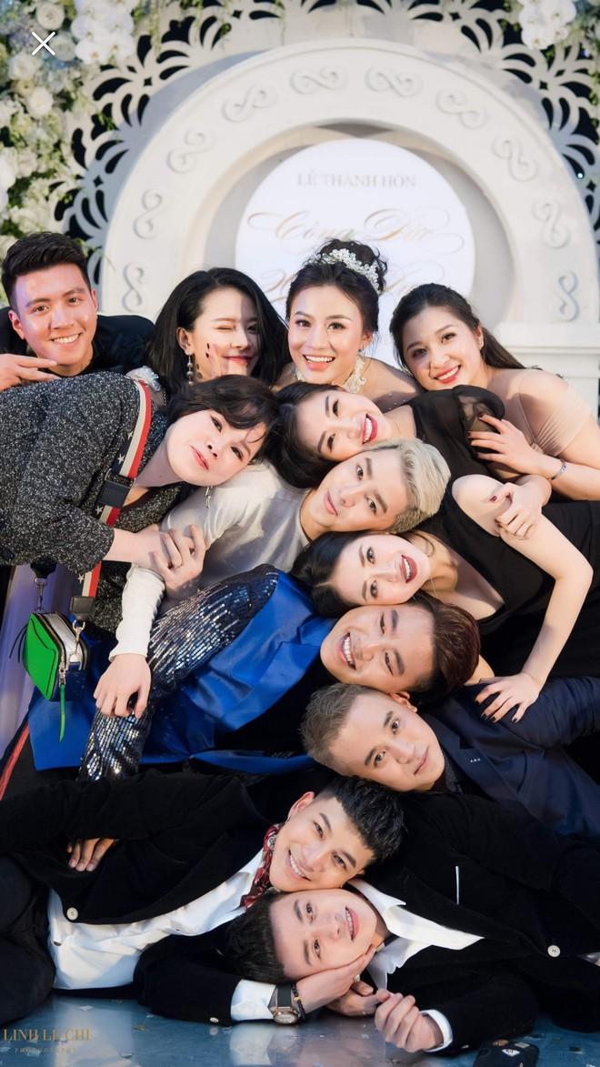 Hot girl The Voice Huyền Dung bất ngờ lên xe hoa, dàn ca sĩ trẻ về Hà Tĩnh quậy tưng bừng - Ảnh 9.