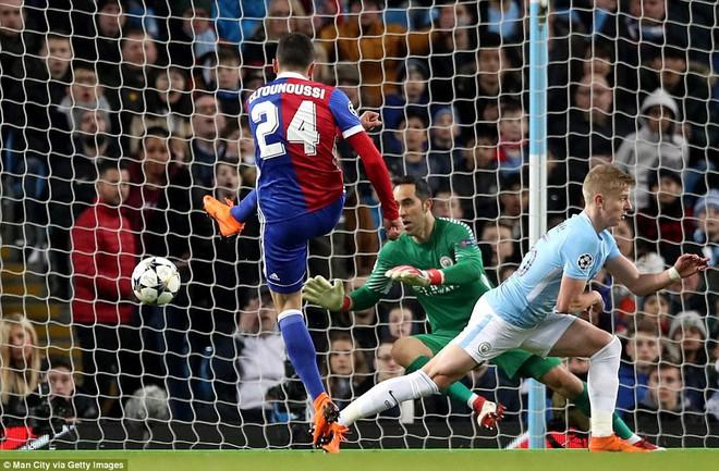 Sao trẻ ghi bàn, Man City ung dung đi tiếp dẫu thua trận - Ảnh 10.