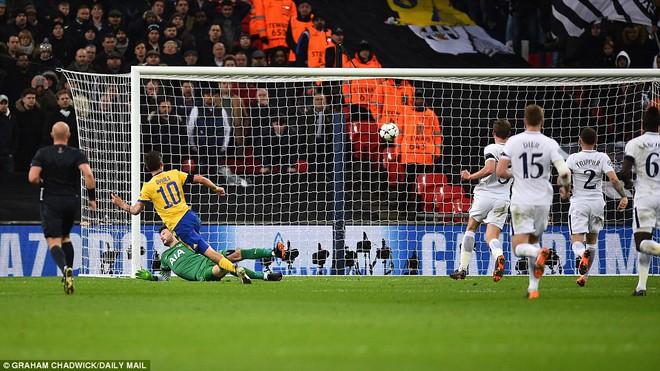 Bộ đôi sát thủ giúp Juventus ngược dòng, giật sập Wembley đoạt vé tứ kết - Ảnh 3.