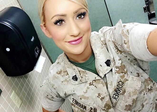 Vẻ đẹp nóng bỏng đầy gợi cảm của nữ lính thủy đánh bộ Mỹ - Ảnh 8.