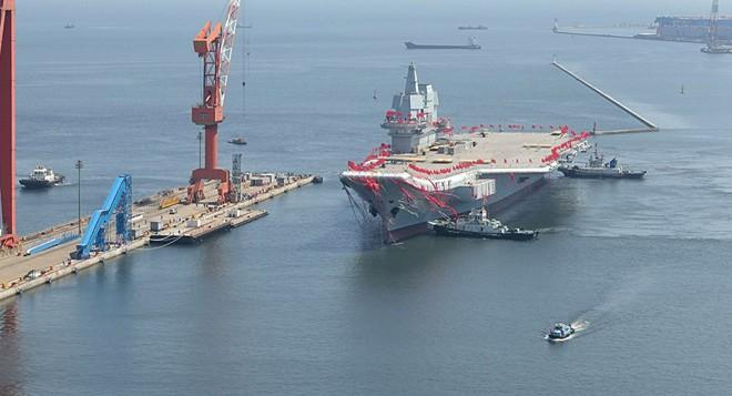 So sức mạnh tàu sân bay Trung Quốc và USS Carl Vinson vừa đến Việt Nam - Ảnh 2.