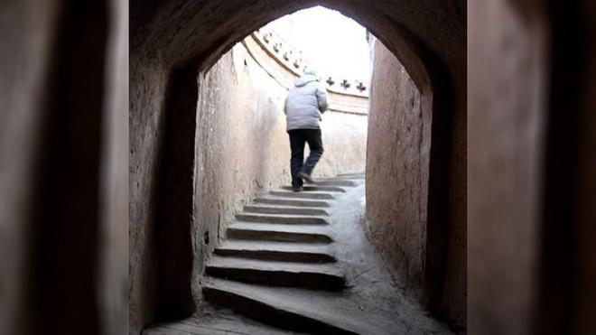 """Ngôi làng """"chuột chũi kỳ lạ, hàng trăm năm nay người dân sống lẩn khuất sâu trong lòng đất - Ảnh 7."""