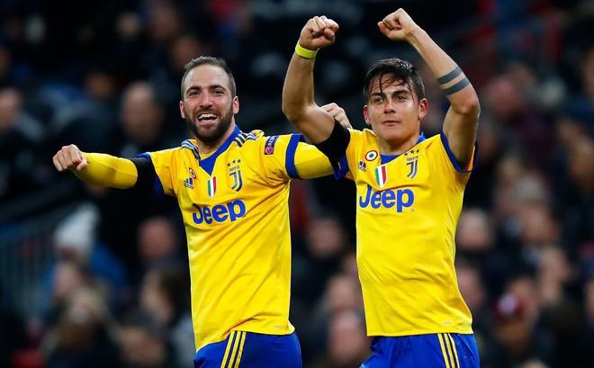 """Bộ đôi """"sát thủ"""" giúp Juventus ngược dòng, """"giật sập"""" Wembley đoạt vé tứ kết"""
