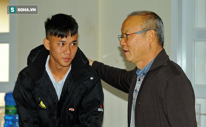 HLV đưa Việt Nam tới World Cup tiết lộ về những buổi trò chuyện với thầy Park ở VFF