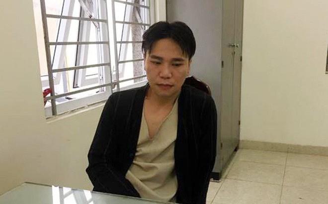 Cô gái trong vụ ca sĩ Châu Việt Cường ra trình diện