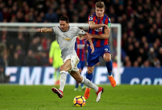 Liverpool cẩn trọng, đến lúc họng súng trong tay áo của Mourinho khai hỏa rồi - Ảnh 3.