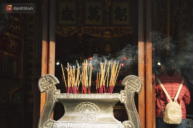 Từ chuyện cô gái được crush bỏ chặn facebook, chủ động nhắn tin, ghé thăm chùa Hà cầu duyên nổi tiếng ở Hà Nội - Ảnh 2.