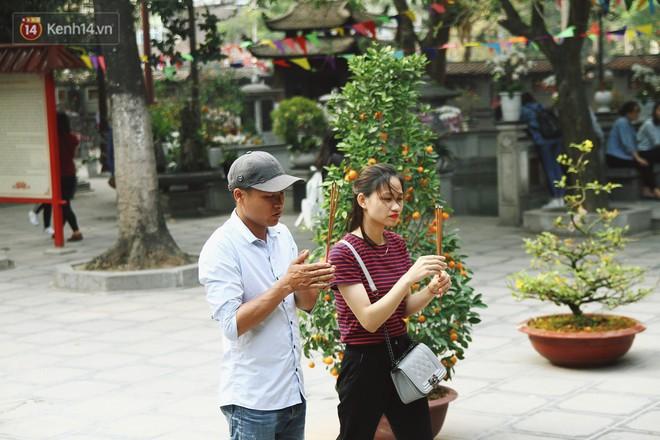 Từ chuyện cô gái được crush bỏ chặn facebook, chủ động nhắn tin, ghé thăm chùa Hà cầu duyên nổi tiếng ở Hà Nội - Ảnh 4.