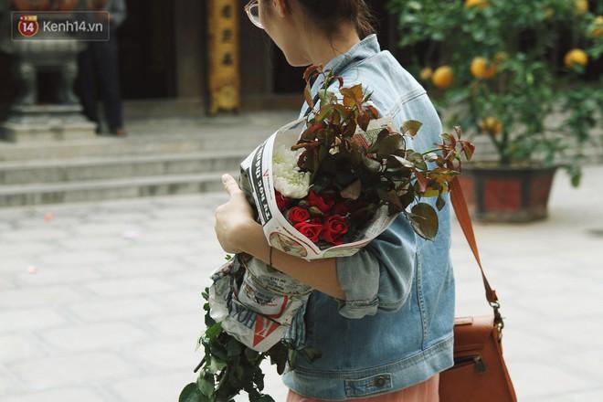 Từ chuyện cô gái được crush bỏ chặn facebook, chủ động nhắn tin, ghé thăm chùa Hà cầu duyên nổi tiếng ở Hà Nội - Ảnh 10.