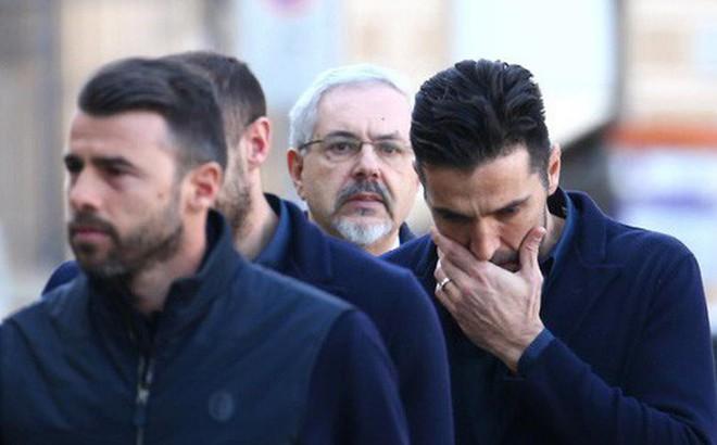Buffon rơi nước mắt tiễn đưa đội trưởng Fiorentina vừa đột ngột qua đời