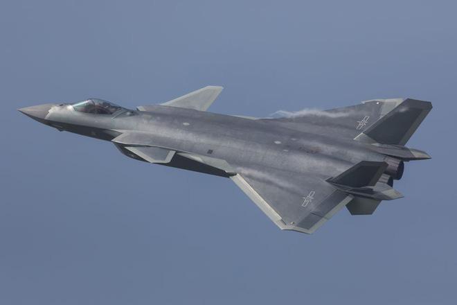 Với tốc độ nâng cấp chóng mặt, J-20 Trung Quốc sẽ sớm cho F-22 của Mỹ hít khói! - Ảnh 1.