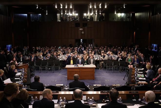 Dốt công nghệ, Thượng viện Mỹ gần như chịu thua Mark Zuckerberg trong buổi điều trần - Ảnh 1.