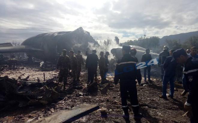 Algeria: Rơi máy bay quân sự chở 200 người, ít nhất 100 người thiệt mạng