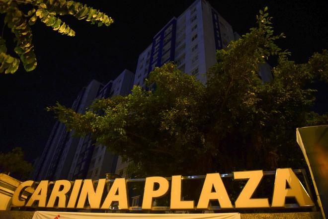 Sau hỏa hoạn 13 nạn nhân tử vong, người dân sống trong chung cư Carina cùng bóng đèn dầu - Ảnh 15.