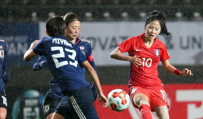 Nữ sát thủ xinh đẹp này có thể phá nát giấc mơ World Cup của tuyển Việt Nam - Ảnh 5.
