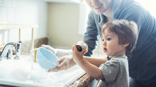 10 việc bố mẹ nhất định cần ép con làm bằng được, trẻ sẽ hưởng ích lợi suốt đời! - Ảnh 2.
