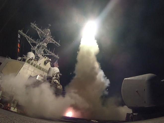 Vì sao các cuộc tấn công bằng Tomahawk của Mỹ thường diễn ra vào ban đêm? - Ảnh 2.