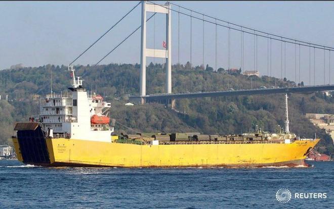 Rò rỉ ảnh tàu Nga đưa khí tài hiếm thấy và nhạy cảm tới Syria trong tình hình nóng - Ảnh 6.