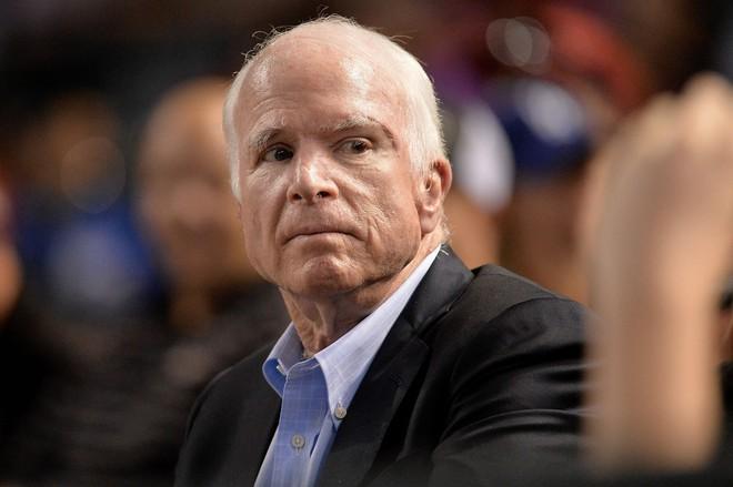 Thượng nghị sĩ John McCain ca ngợi quyết định của ông Trump, giục TT Mỹ quyết liệt hơn nữa - Ảnh 1.