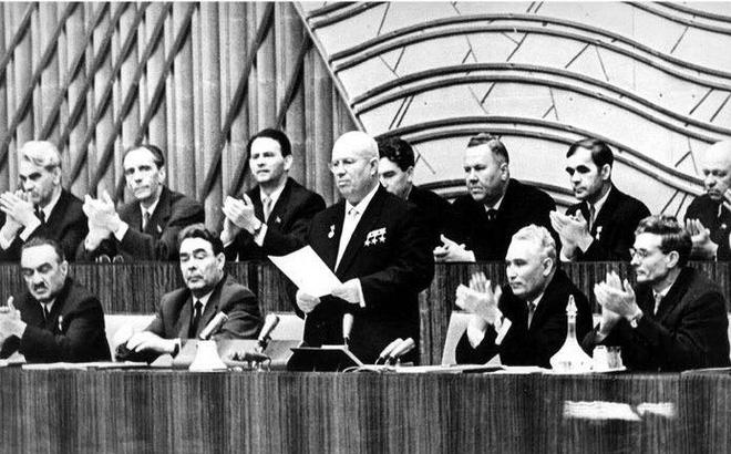 """Vụ đánh cắp khó tin báo cáo chính trị """"tuyệt mật"""" của Liên Xô năm 1956"""