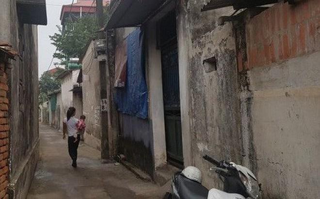 Gia cảnh khốn khó làm phụ hồ và quét rác của người mẹ nghi sát hại con trai 19 tuổi