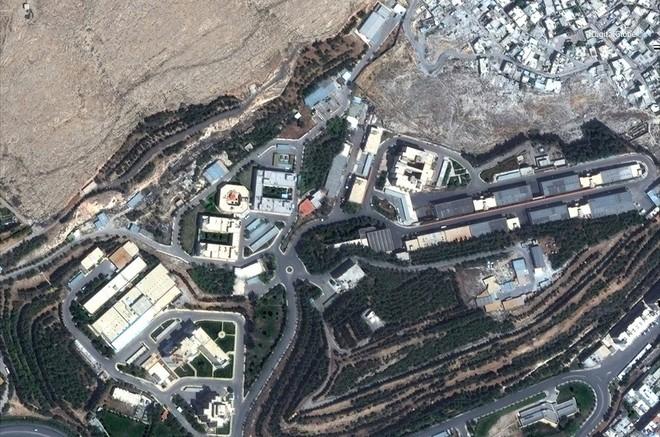 Hình ảnh vệ tinh mới nhất chứng minh Syria đã thiệt hại nặng nề sau vụ tấn công ngày 14/4 - Ảnh 6.