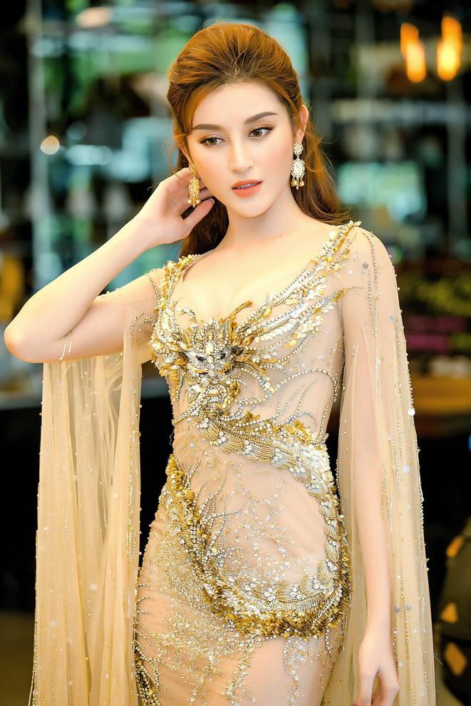 Huyền My đọ sắc với Hoa hậu Thế giới 2013 và Hoa hậu Hoàn vũ Quốc tế 2015 - Ảnh 1.