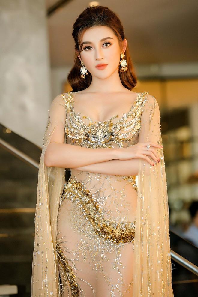 Huyền My đọ sắc với Hoa hậu Thế giới 2013 và Hoa hậu Hoàn vũ Quốc tế 2015 - Ảnh 3.